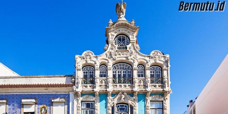 Dekorasi Rumah  Khas Eropa - desain kaya akan ornamen