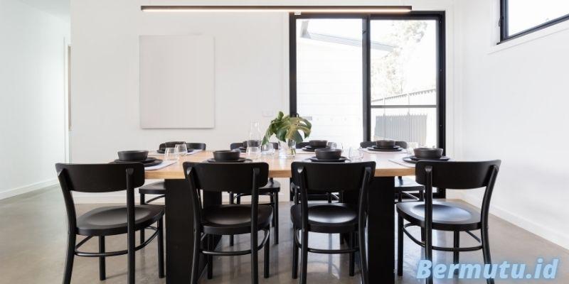 Jenis Furniture Terbaik Untuk Rumah Modern Minimalis - set meja makan dengan warna serasi