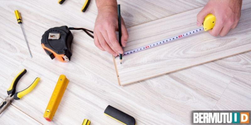 cara memasang lantai laminated - persiapkan peralatan